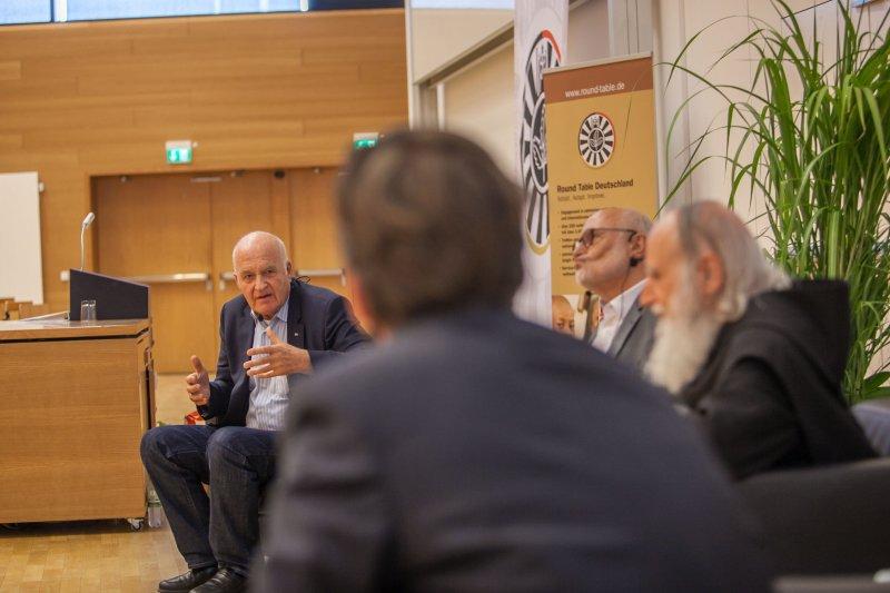 Benefizsymposium Eigenverantwortung am 16. Juli 2015 an der Goethe Universität Frankfurt - Bild 12